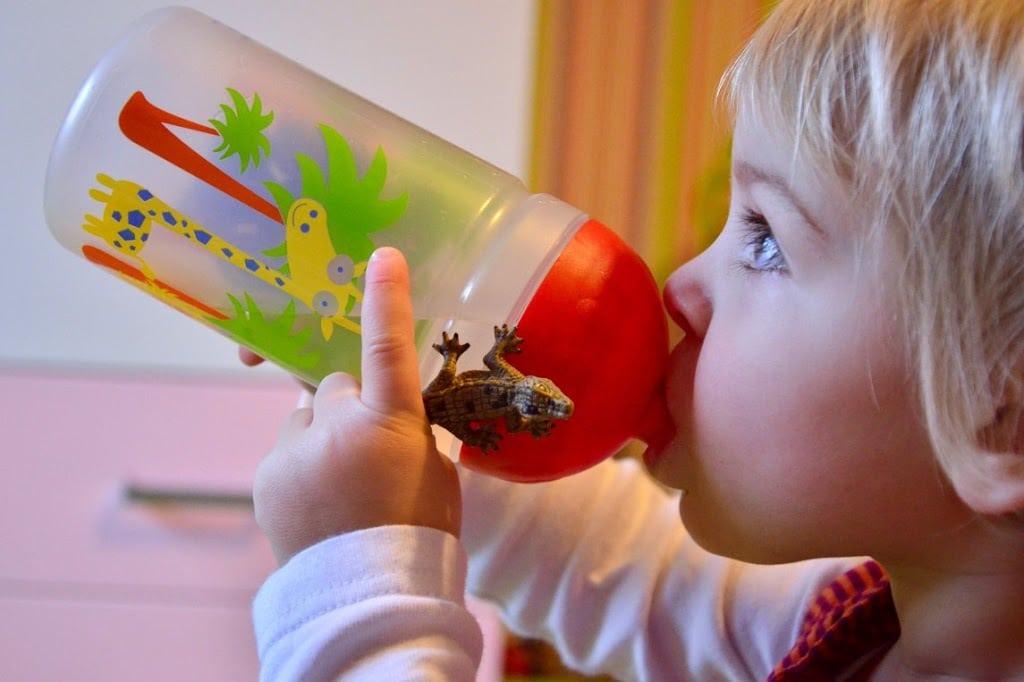 kinder trinkflaschen f r unterwegs lifestyle sch nes n tzliches baby kind und meer. Black Bedroom Furniture Sets. Home Design Ideas