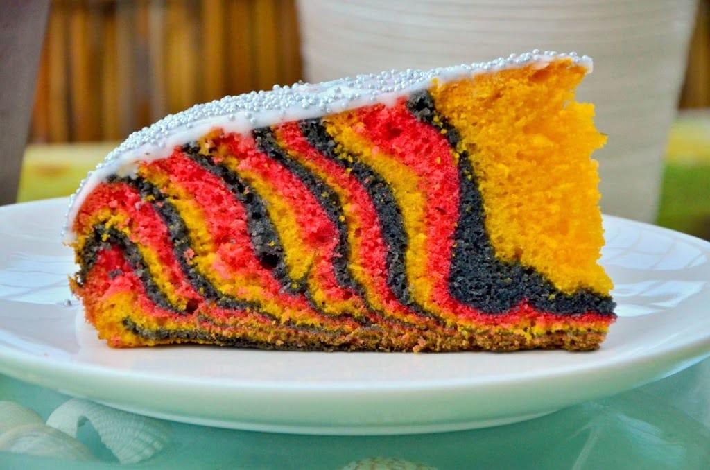 Kuchen farbe rot