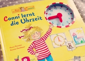 Conni lernt die Uhr