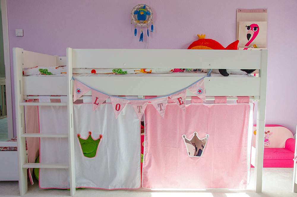 Etagenbett Kinderzimmer Paidi : Lottes neues hochbett kinderzimmer co familie baby kind