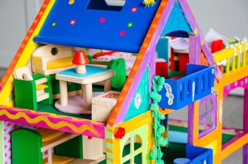 Unsere kleine villa kunterbunt diy inspirationen baby - Puppenhaus basteln ...