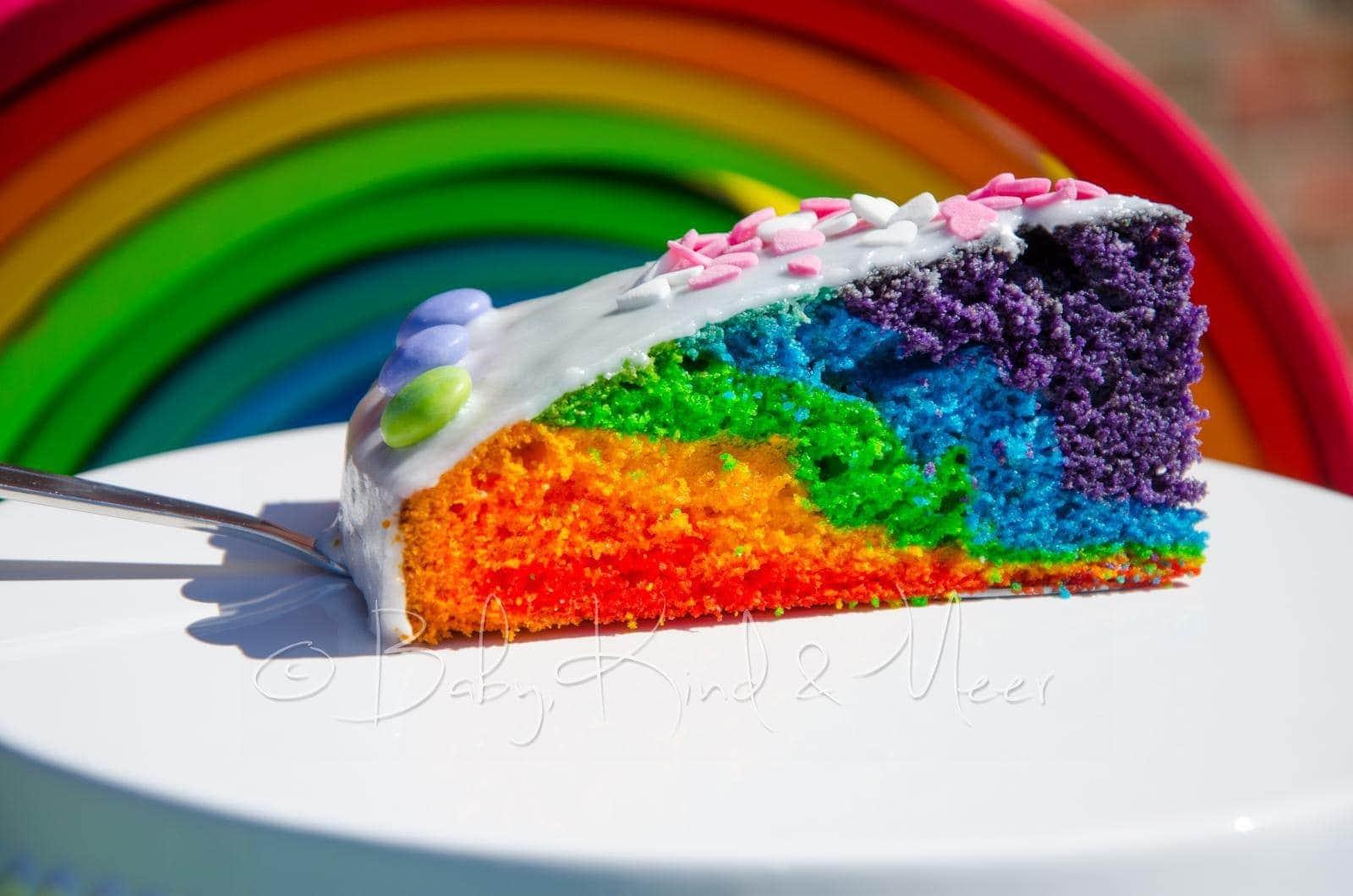 ein neuer regenbogenkuchen rezepte creative food baby kind und meer. Black Bedroom Furniture Sets. Home Design Ideas