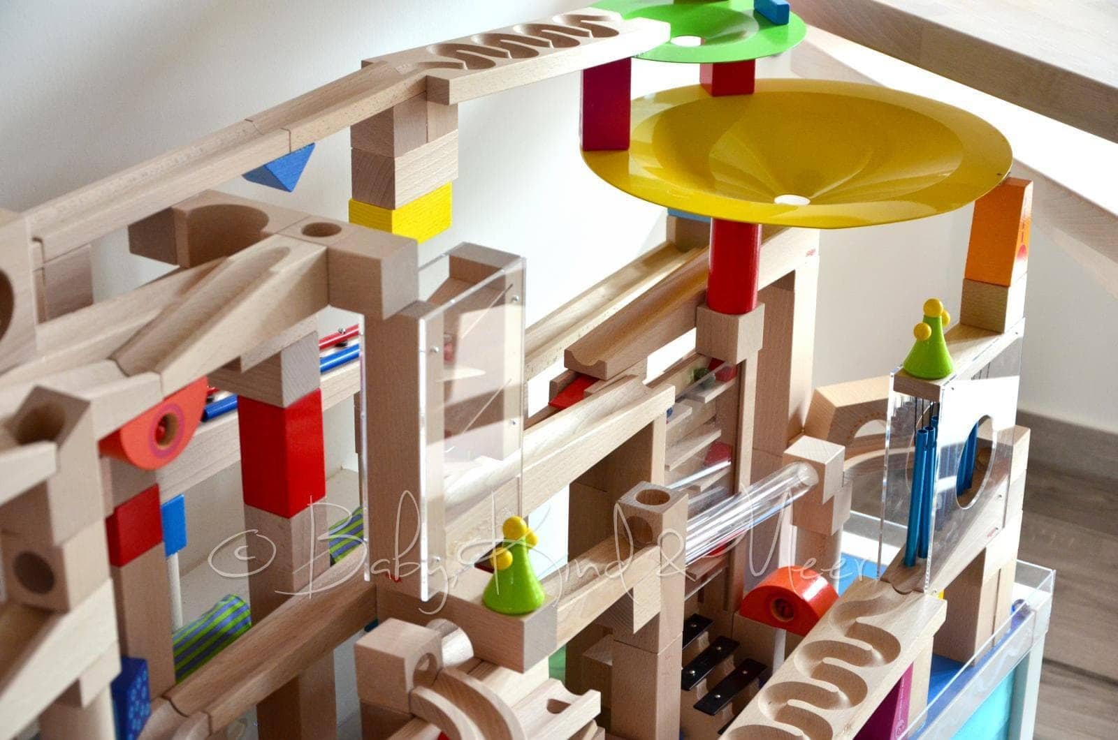 diy ein haba kugelbahn spieltisch spielzeug diy baby. Black Bedroom Furniture Sets. Home Design Ideas