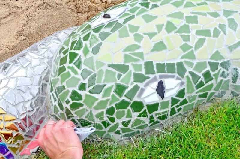 Mosaik Schlange polieren (3)