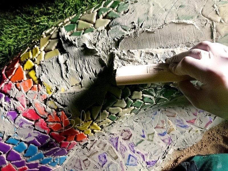 Mosaik Schlange verfugen (3)