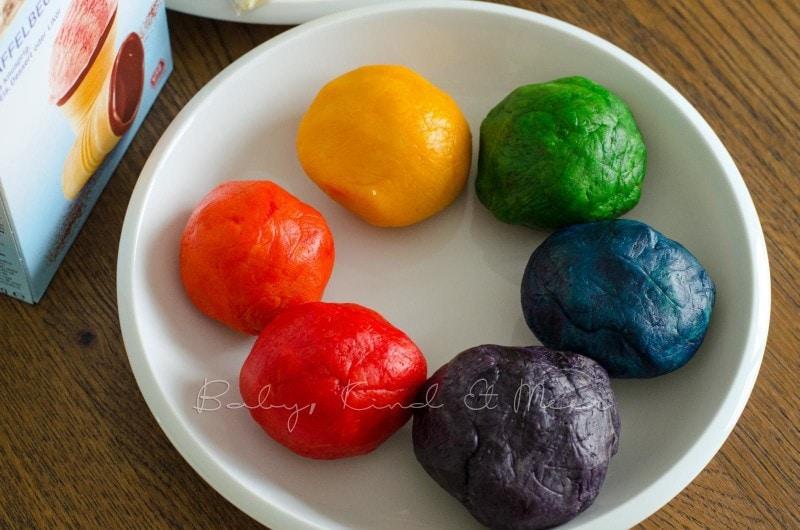 Regenbogen Cake-Pops