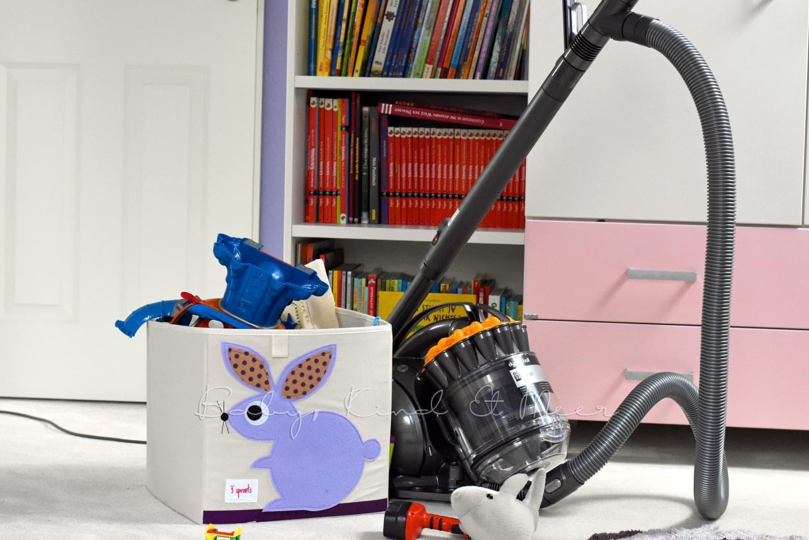 fr hjahrsputz im kinderzimmer familienleben baby kind. Black Bedroom Furniture Sets. Home Design Ideas
