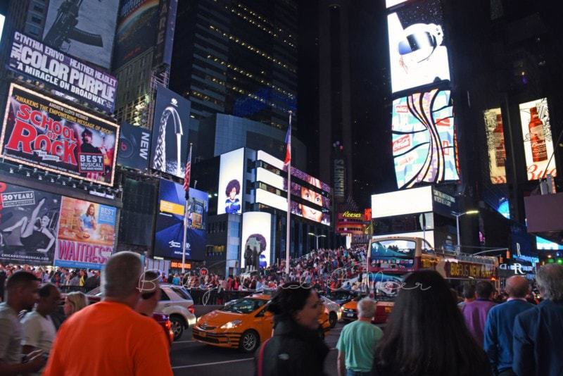 Times Square bei Nacht (5)