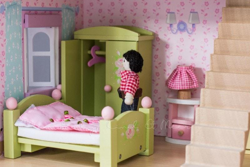 le-toy-van-puppenhaus-8