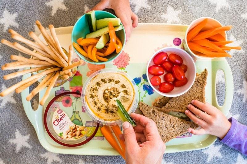 obela hummus bringt alle an den tisch rezepte f r familien baby kind und meer. Black Bedroom Furniture Sets. Home Design Ideas