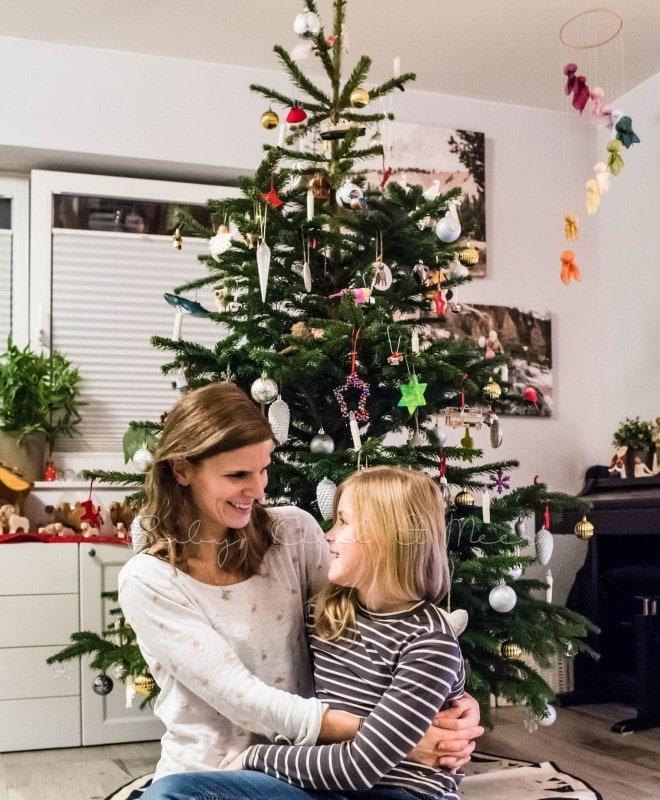Weihnachtsbaum schmuecken 9