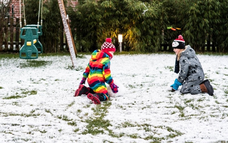erster Schnee im Garten 2