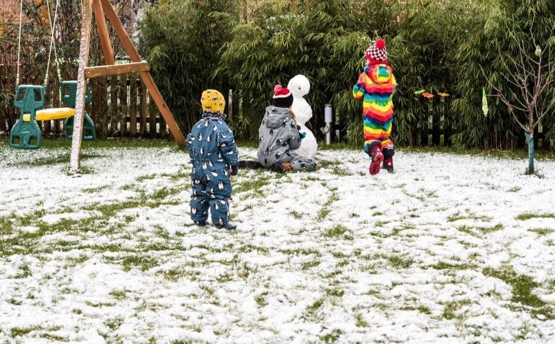 erster Schnee im Garten 4