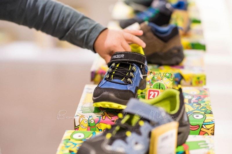 Schuhkauf bei RENO 12