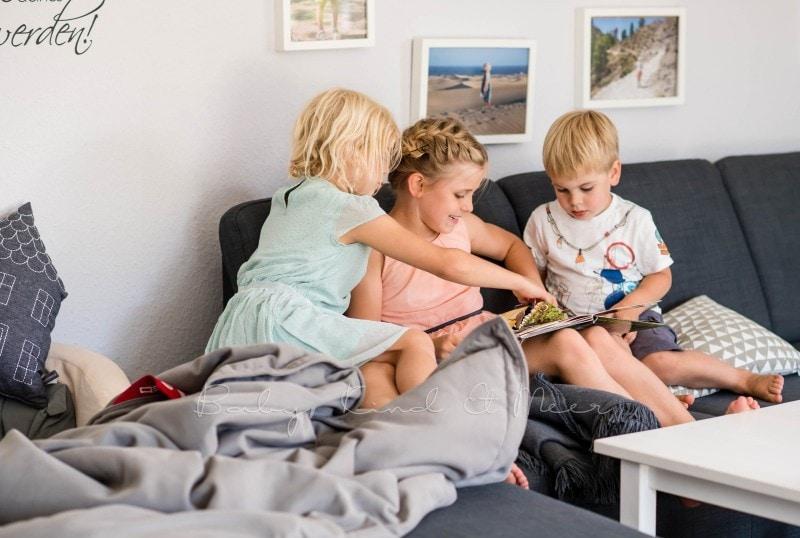 Lesen im Wohnzimmer 4