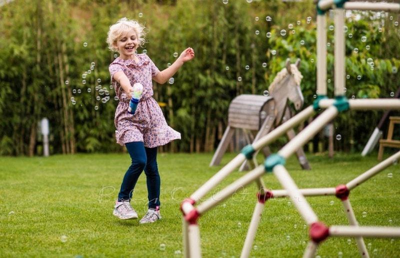 im Garten spielen 12