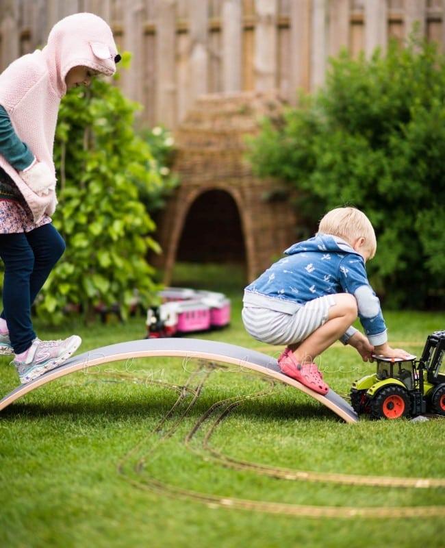 im Garten spielen
