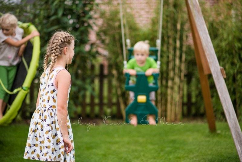 Schaukeln im Garten 2