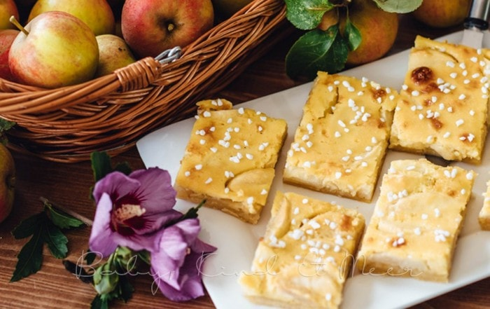 Apfelkuchen mit Marzipanguss