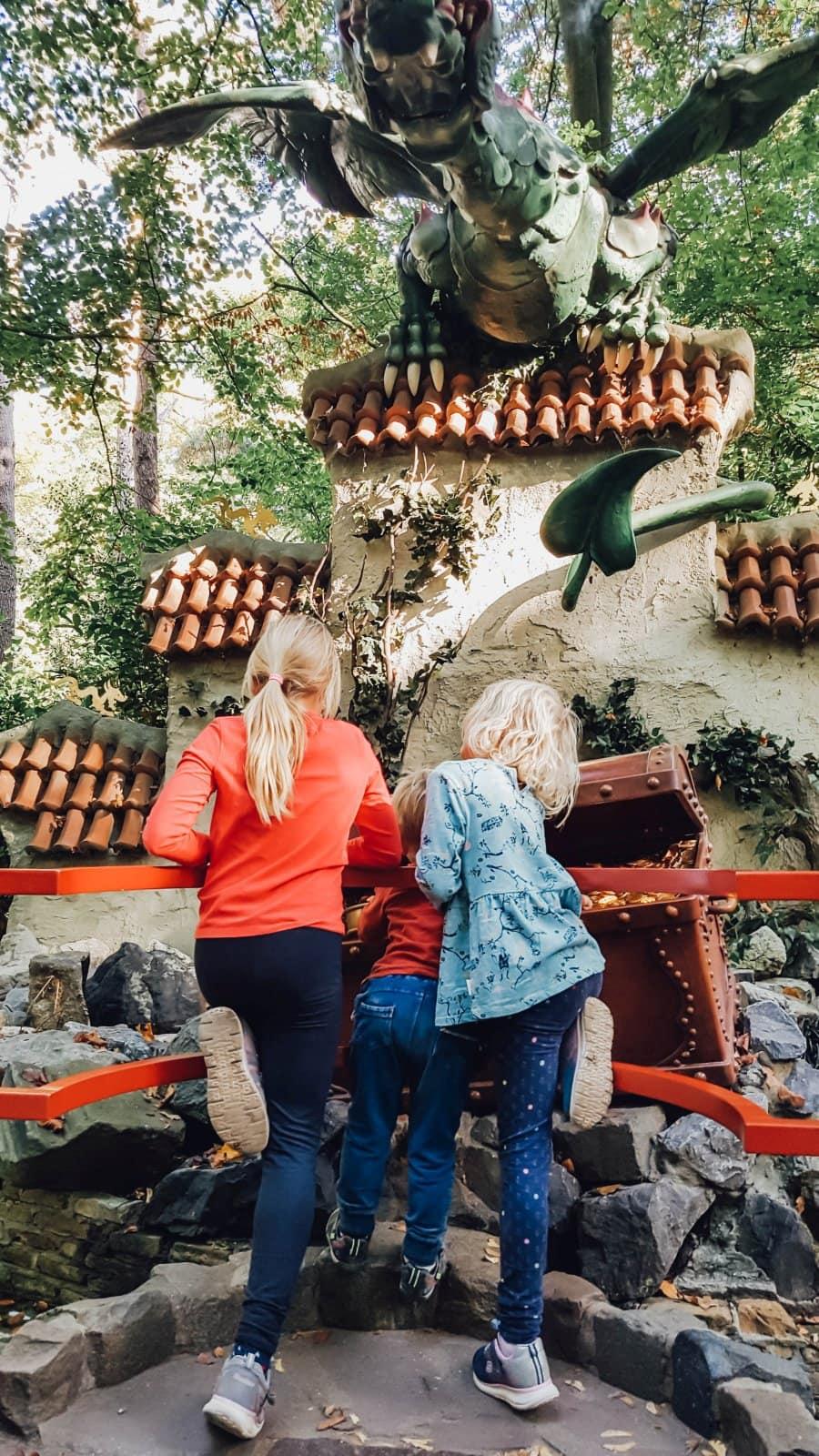 Efteling Freizeitpark im Herbst 56