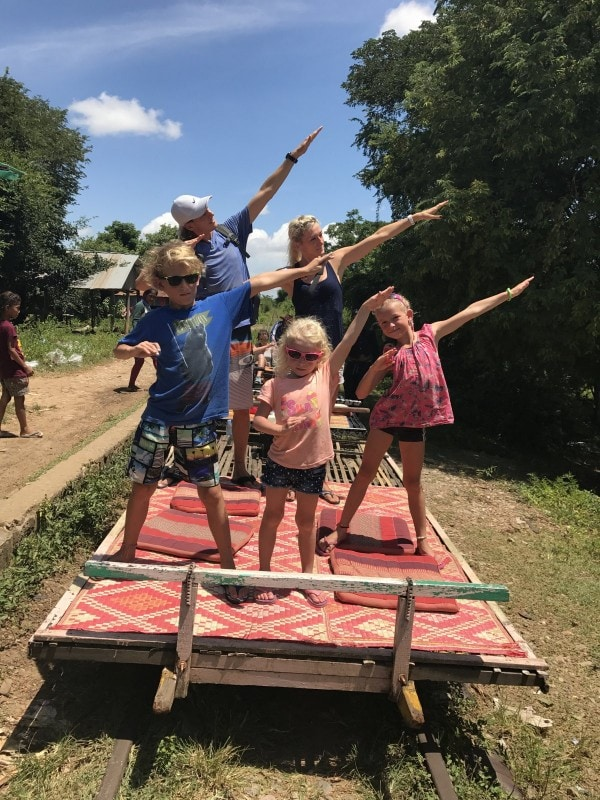 Familienbild Kambodscha Bambootrain 2017