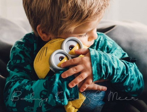 WE LOVE THE MINIONS: YELLOW FRIDAY