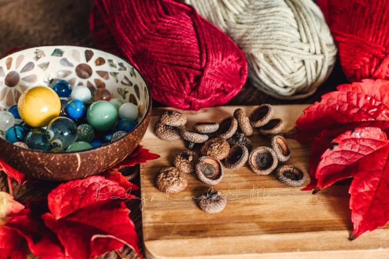Herbst Bastelidee DIY Murmelketten aus Eicheln 1