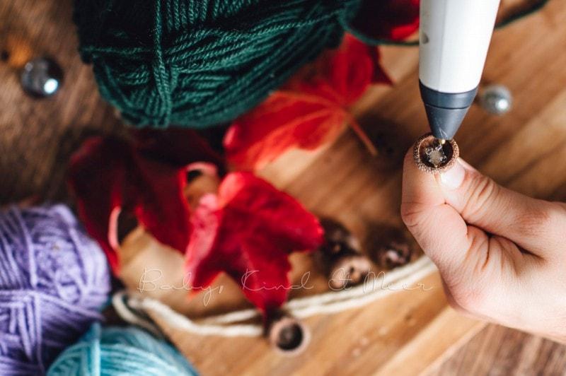 Herbst Bastelidee DIY Murmelketten aus Eicheln 8